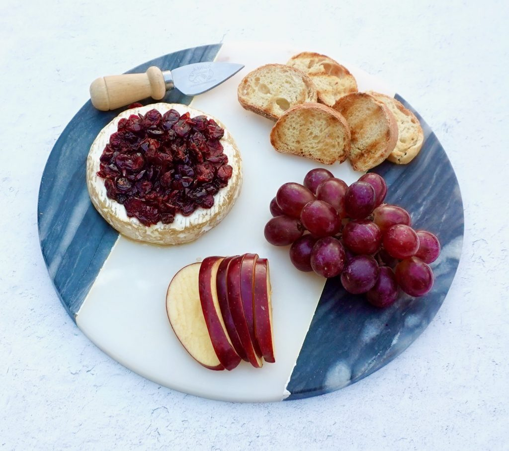 Baked Brie with Honey and Dried Cranberries