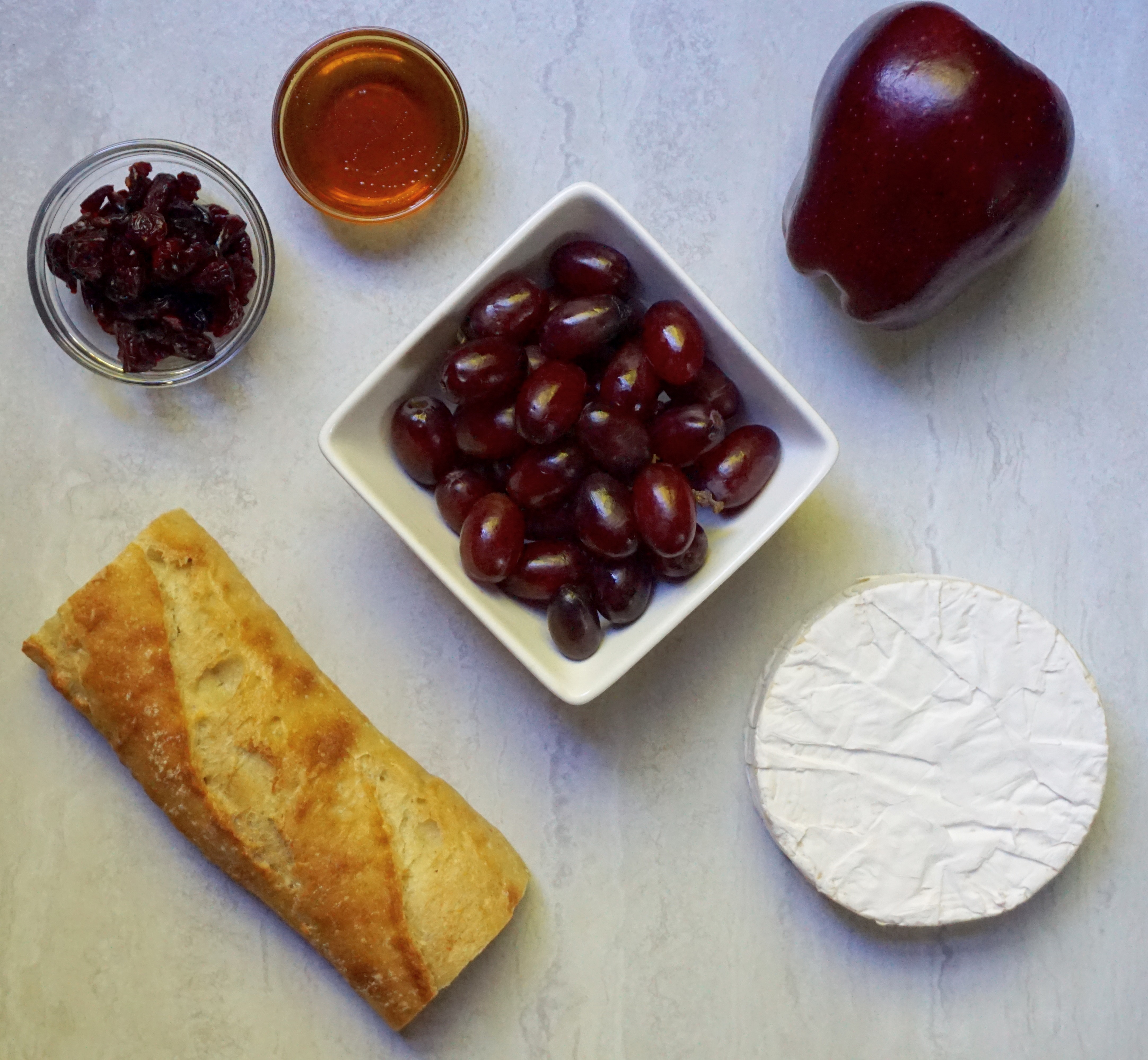 Baked Brie with Honey and Cranberries ingredients