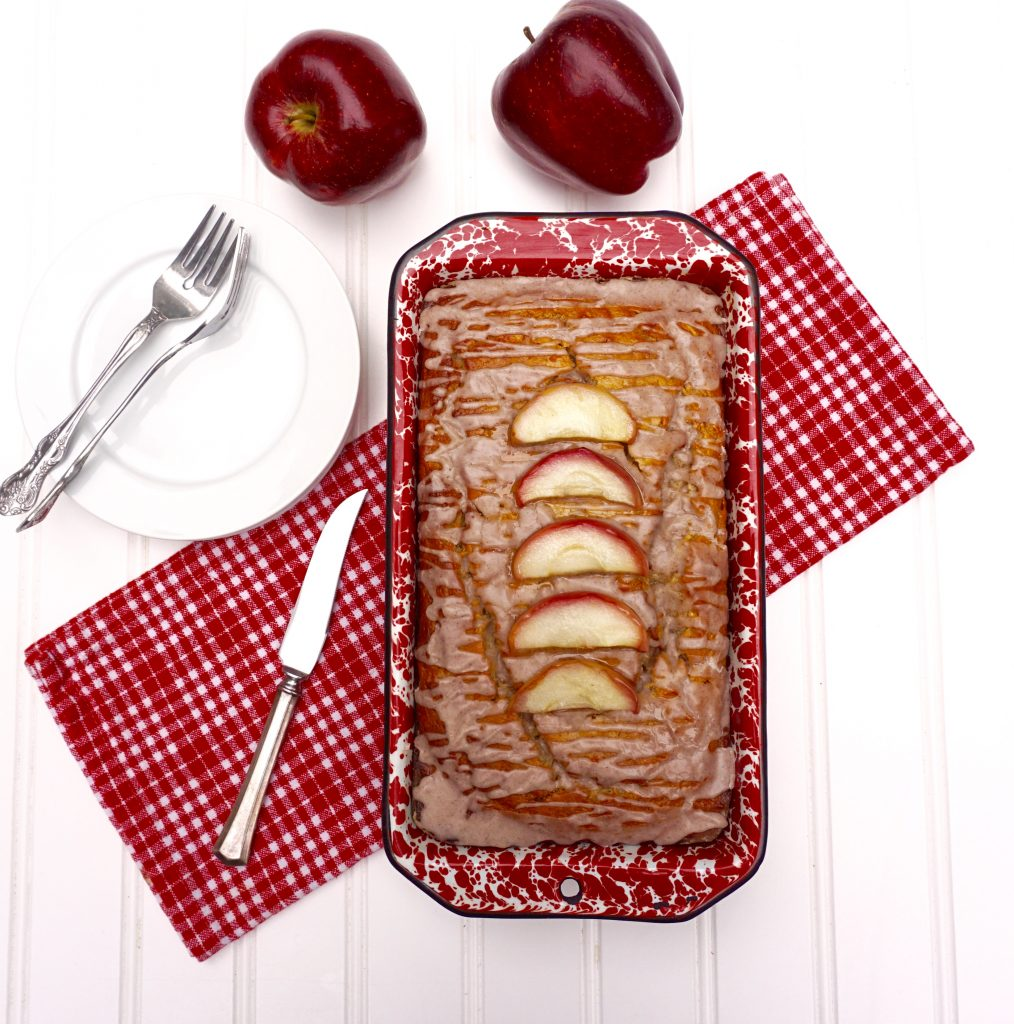 Apple Cinnamon Yogurt Cake