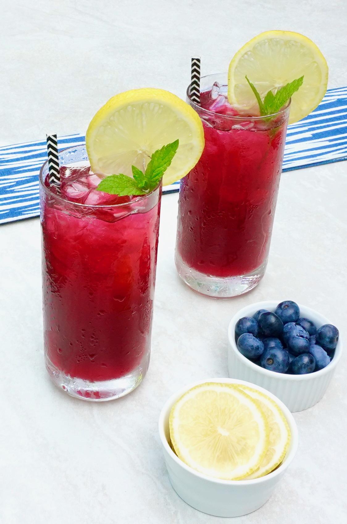 Blueberry Sparkling Lemonade